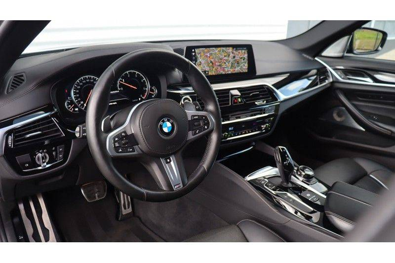 BMW 5 Serie Touring M550d xDrive High Executive Bowers & Wilkins, Head-Up Display, Soft-Close, Stoelventilatie afbeelding 7