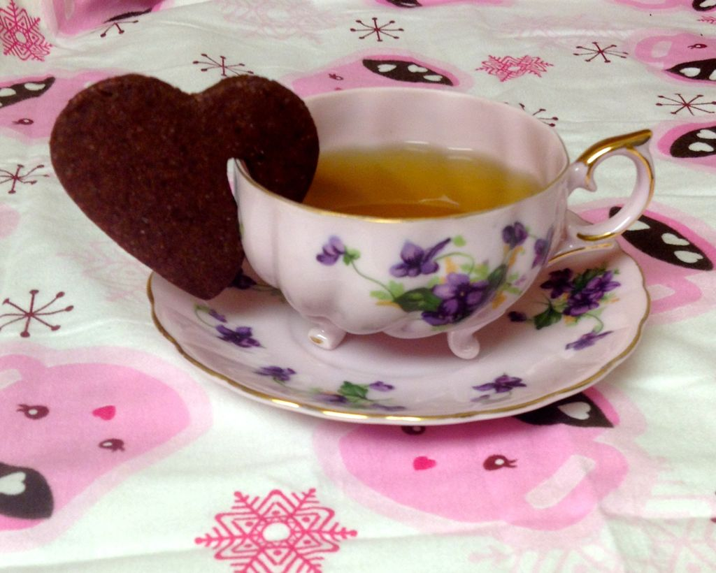 Red Velvet Heart Teacup Cookie