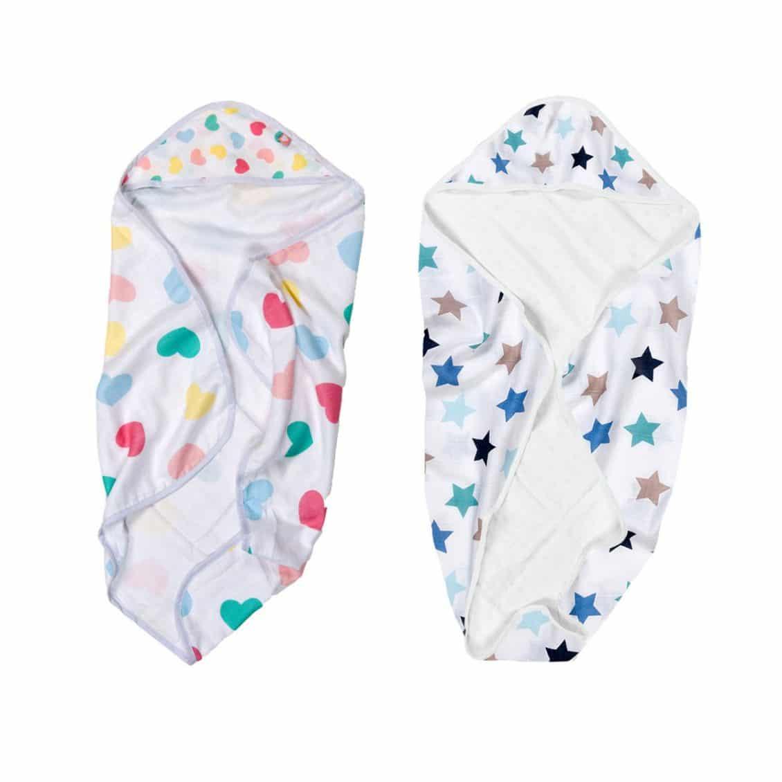 regali battesimo - tovaglia-bagnetto-bambini-cappuccio-cuori-e-stelle