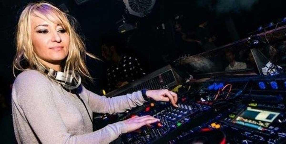 DJ Claudia Cazacu Yang Seksi Seperti Super Model
