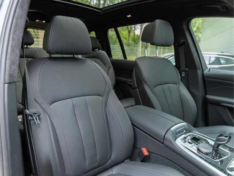 BMW X7 xDrive40i High Executive - M-Sport - Trekhaak - 7-Zits - ACC afbeelding 17