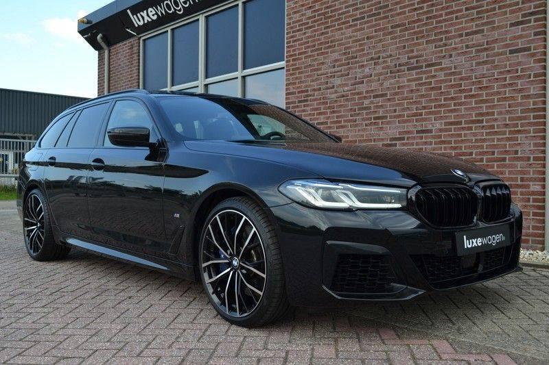 BMW 5 Serie Touring 540i xDrive 333pk M-Sport Pano Laser Comfort LiveCp DA+ HUD 20inch afbeelding 20