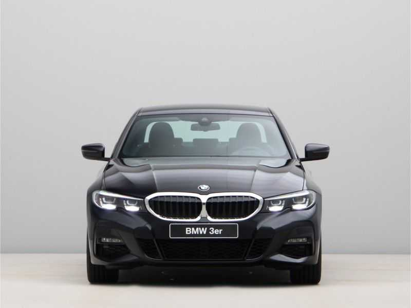 BMW 3 Serie 320i High Exe M-Sport Aut. afbeelding 9