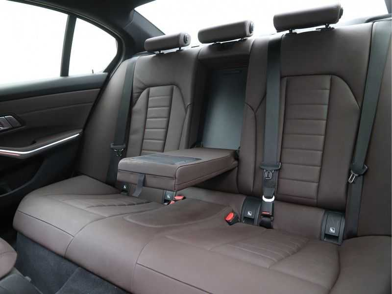 BMW 3 Serie 320i High Exe M-Sport Aut. afbeelding 16