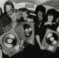 2 garymoore band with phil lynott 1985.200x200
