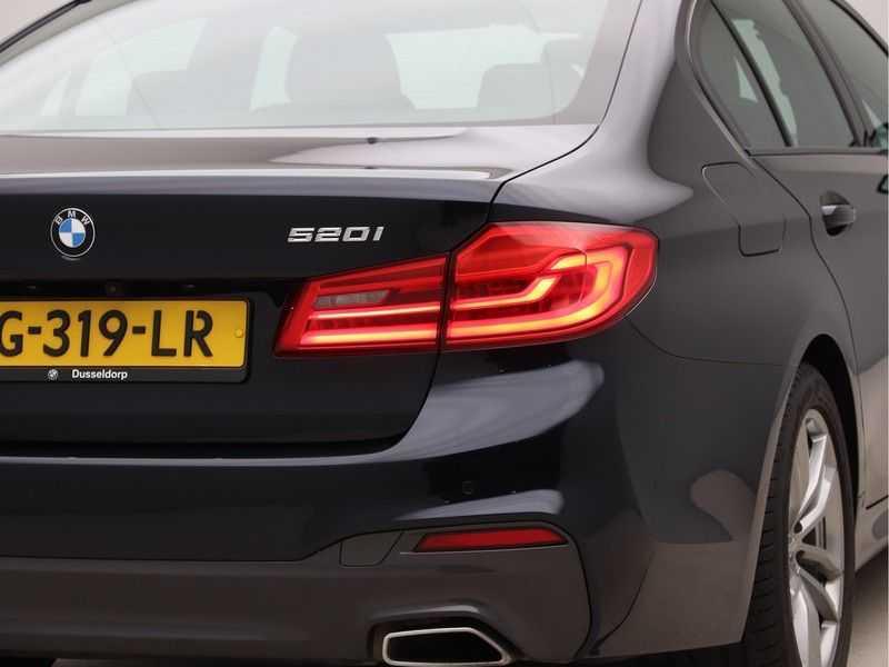 BMW 5 Serie 520i High Executive M-Sport afbeelding 18