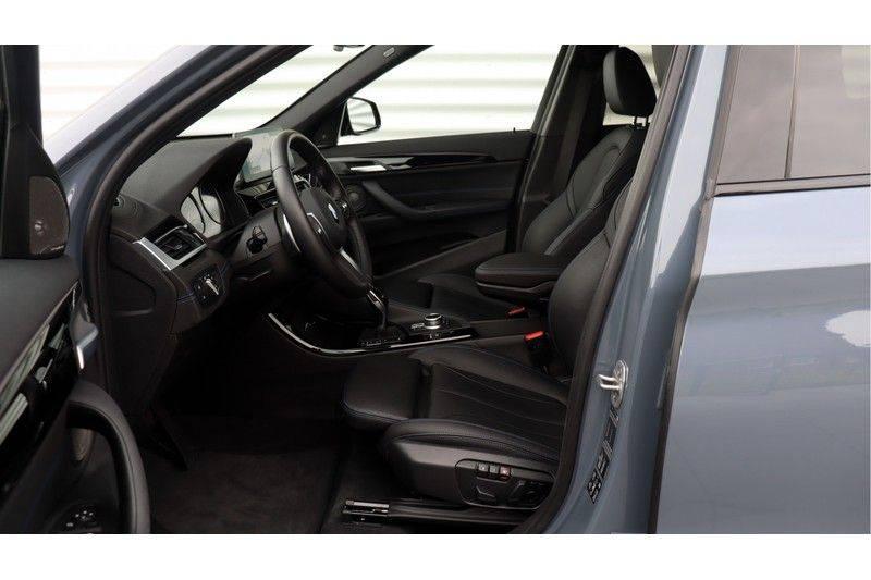 BMW X1 xDrive20i High Executive M Sport Panoramadak, Head-Up Display, Leder, Trekhaak afbeelding 21