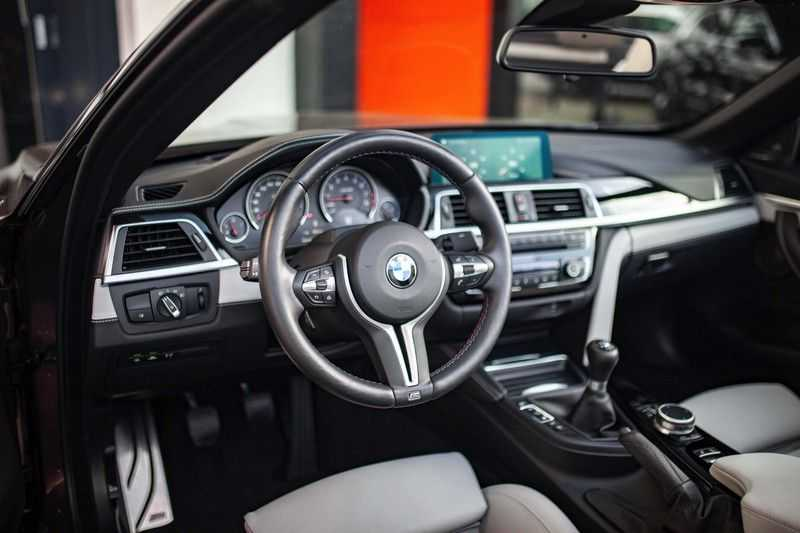 "BMW M4 Cabrio *Handgeschakeld / M-Sportuitlaat / Memory / HUD / 19"" / H&K* afbeelding 9"
