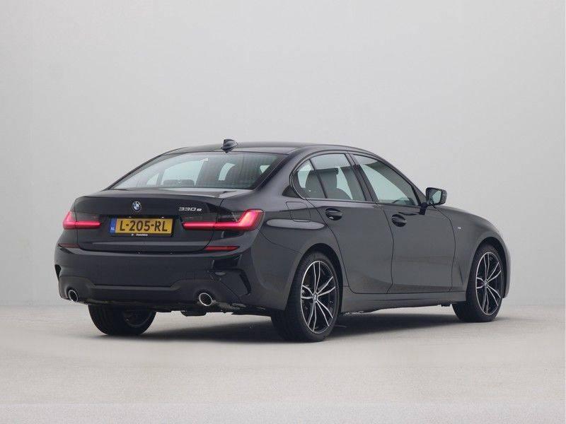 BMW 3 Serie Sedan 330e High Executive M-Sport Automaat afbeelding 9