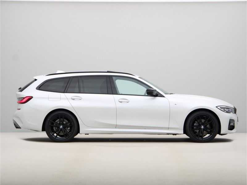 BMW 3 Serie Touring 318i Exe M-Sport Aut. afbeelding 13
