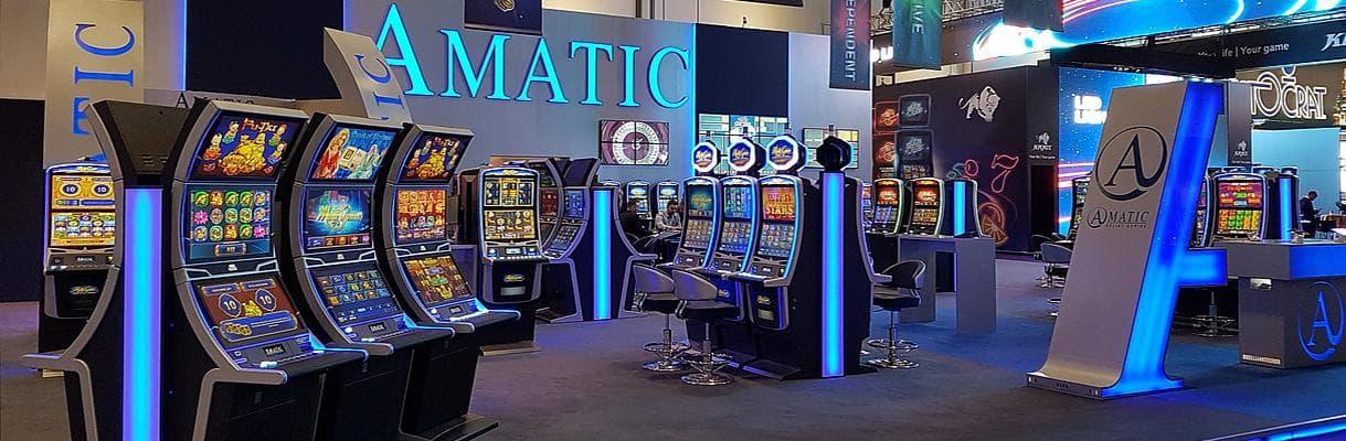 Amatic Industries Unternehmen Stand auf Messe mit Automatenaufstellern