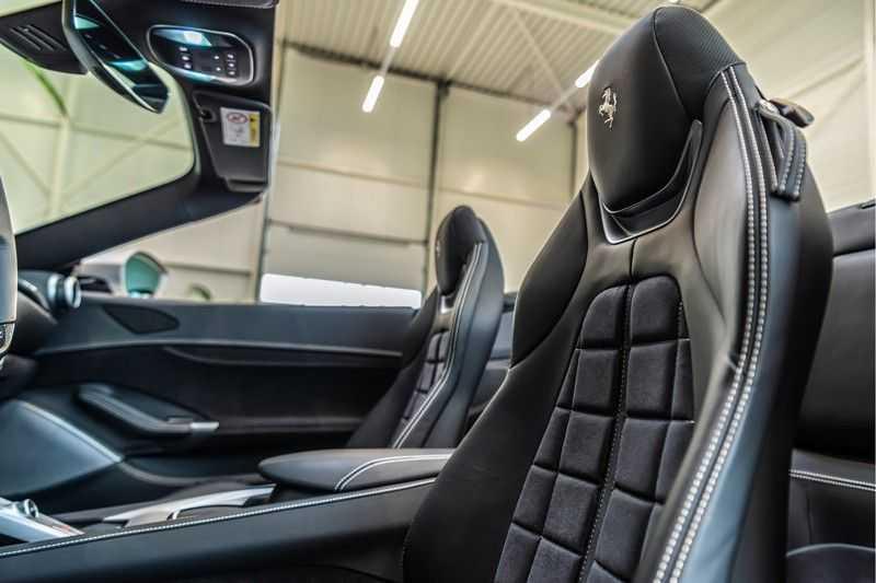 Ferrari Portofino 3.9 V8 HELE | Carbon | Alcantara | Homelink | Camera | afbeelding 12