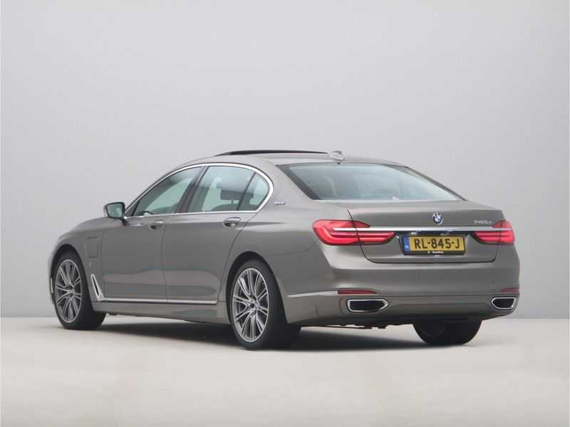 BMW 7 Serie 740Le iPerformance High Executive afbeelding 11