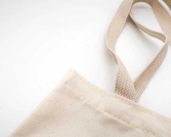 Was ist besser: Baumwollbeutel, Plastik- oder Papiertaschen?