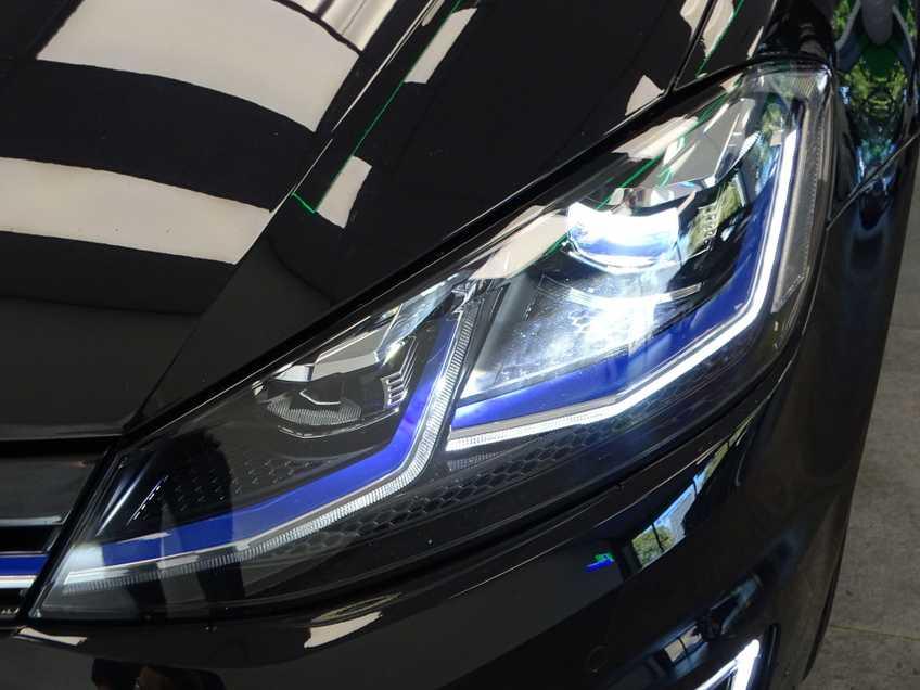 Volkswagen e-Golf e-Golf MARGE! LED Navigatie Clima Cruise Warmtepomp Virtual CP Camera afbeelding 16
