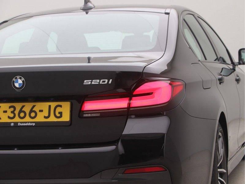 BMW 5 Serie Sedan 520i High Executive M-Sport Automaat afbeelding 21