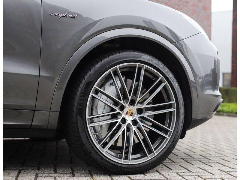 Porsche Cayenne Coupé 3.0 E-Hybrid *Sport Design*Pano*Soft-Close* afbeelding 14