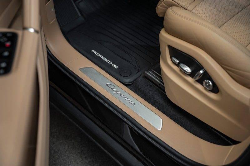 Porsche Cayenne Coupé Hybrid 22 Turbo Luchtvering Surround Camera ACC 3.0 E-Hybrid afbeelding 19
