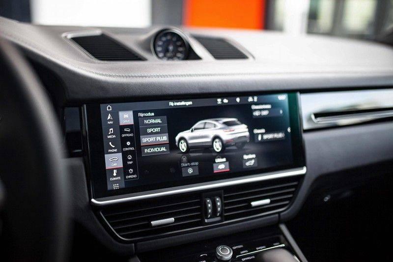 Porsche Cayenne 2.9 S Coupé *BOSE / Sportdesign / 4 Wielbesturing / Memory / Sport Chrono / HUD* afbeelding 16