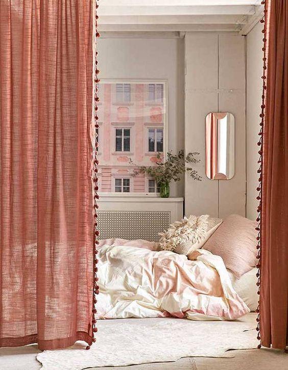 Long rideaux sur chambre