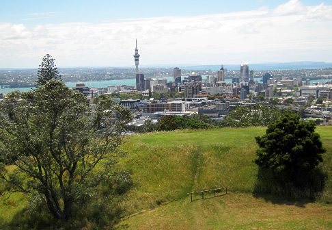 A view of Auckland's CBD from Mount Eden