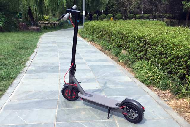 Xiaomi Electric Scooter - This convenient foldable scooter in now available in Indonesia