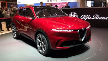 A rare Alfa Romeo PHEV has been unveiled, in the form of a Tonale PHEV (plug-in hybrid). The mid-size SUV could enter production later in 2019.