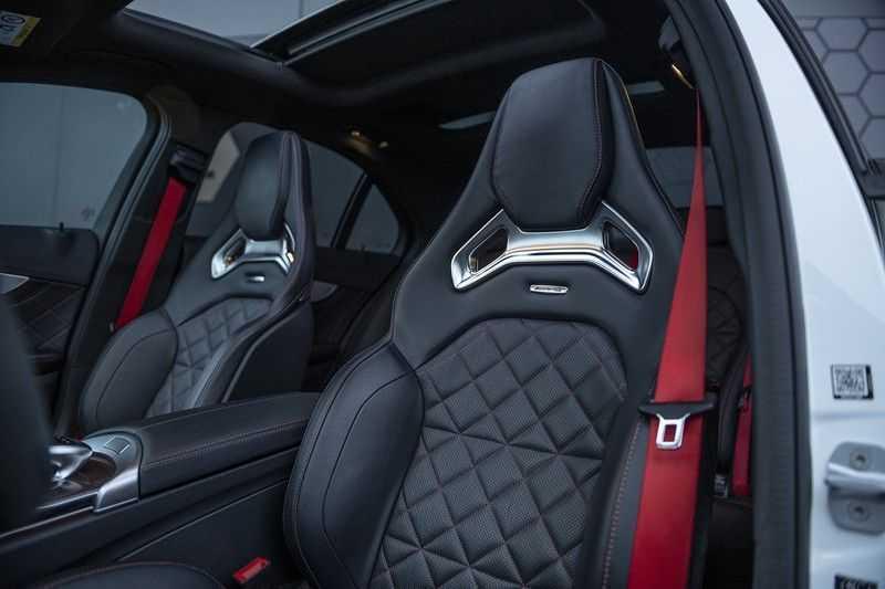 Mercedes-Benz C-Klasse C63 AMG S Edition 1 C63s Panoramadak + Burmester + Head-up afbeelding 3