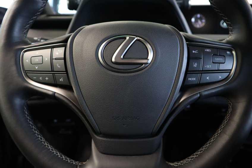 """Lexus UX 250h F Leder Navigatie Clima Cruise Camera Elektr. Klep 18""""LM *tot 24 maanden garantie (*vraag naar de voorwaarden) afbeelding 11"""