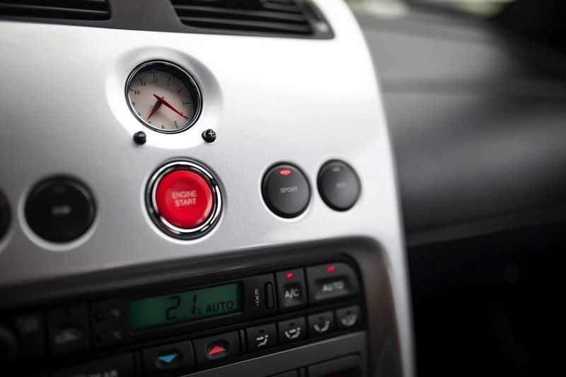 Aston Martin V12 Vanquish 5.9 *Absolute nieuwstaat!* afbeelding 5