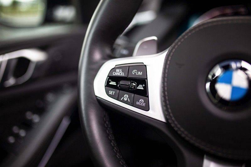 BMW X5 xDrive30d High Executive *M Pakket / Laser / Pano / HUD / Keyless / Trekhaak* afbeelding 9