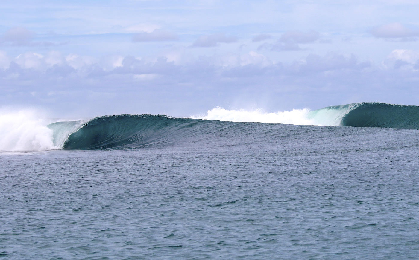 Moon Palikir Surf Charter Boat Mentawai Islands Surfing