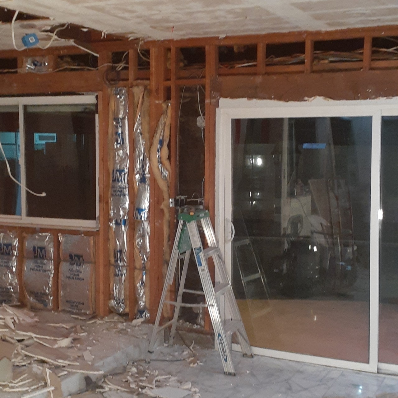 remodeling-living-room-interior--before-02
