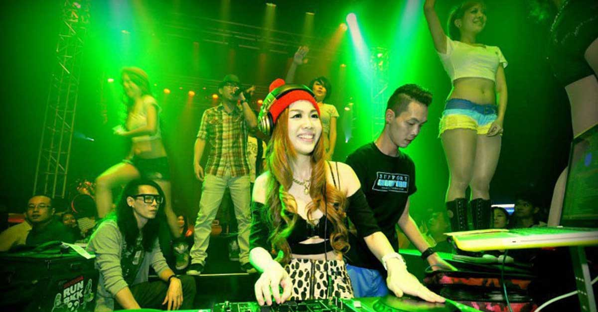 5 Alasan Kenapa Klub Malam Hanya Untuk Orang Dewasa