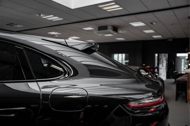 Porsche Cayenne Coupé Hybrid 22 Turbo Luchtvering Surround Camera ACC 3.0 E-Hybrid afbeelding 10