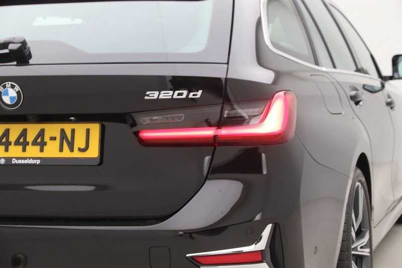 BMW 3 Serie Touring 320d High Executive Luxury Line Automaat Euro 6 afbeelding 17