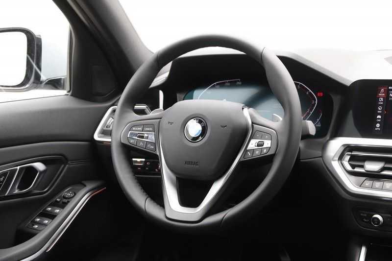 BMW 3 Serie 318i Sedan Exe Sportline Aut. afbeelding 6