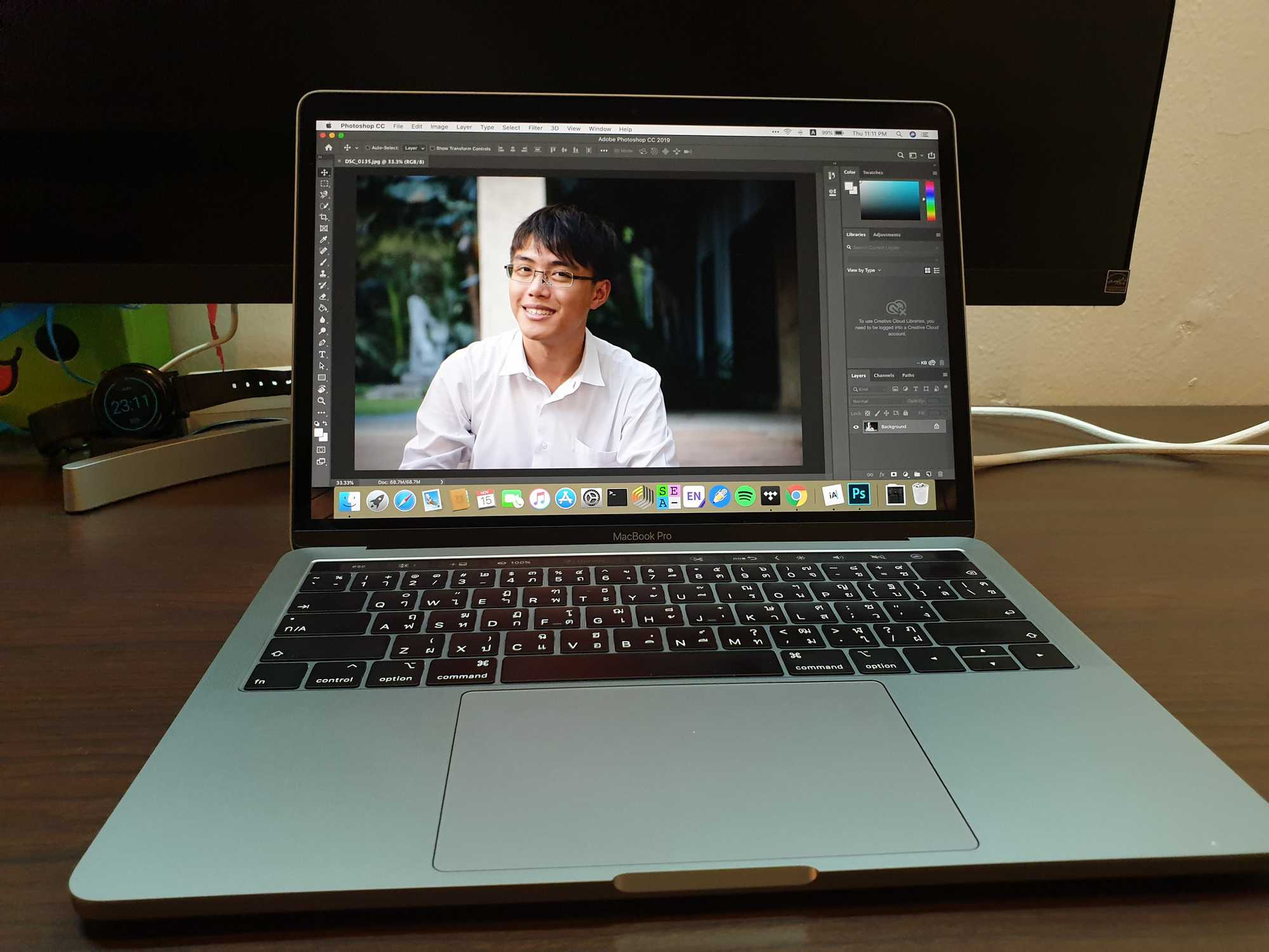 MacBook Pro 13-inch 2018 running Photoshop