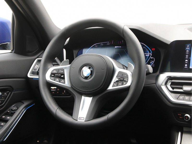 BMW 3 Serie Touring 330e High Executive M-Sport Automaat afbeelding 2
