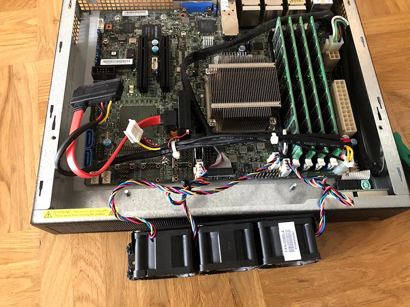 Supermicro SYS-E300-8D-3