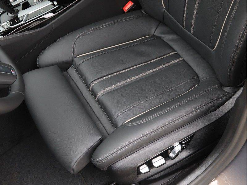 BMW 5 Serie 540i High Exe M-Sport afbeelding 16