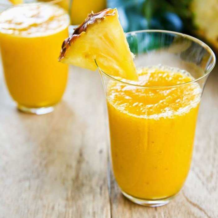 Pineapple Gingerale Smoothie Cocktail