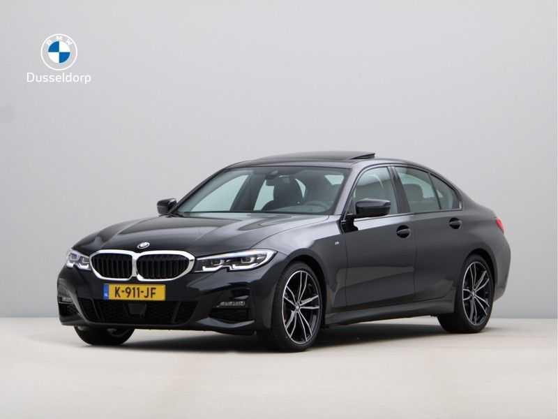 BMW 3 Serie 320i High Executive Model M Sport afbeelding 1