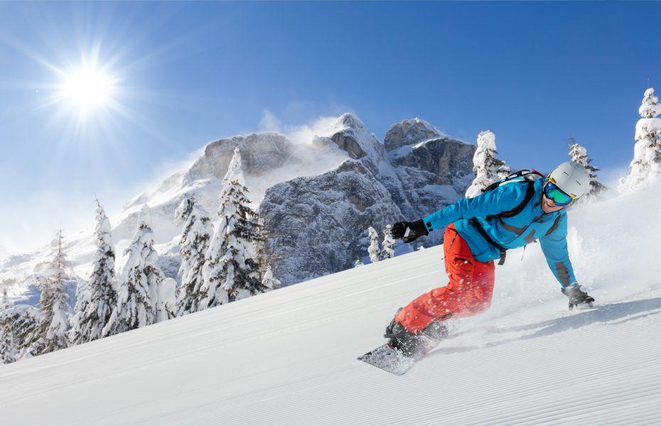 Snowboarding scene