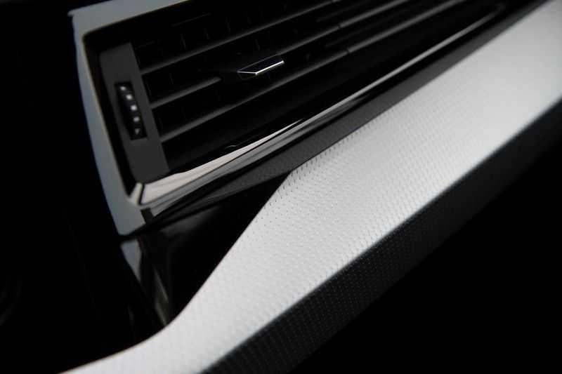 Audi A1 Sportback 40 TFSI S-LINE+NAVI+18INCH afbeelding 16