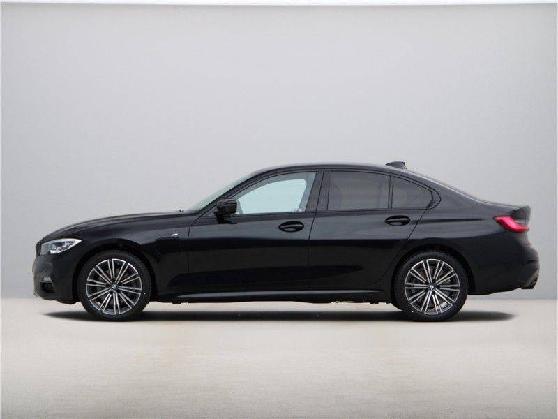 BMW 3 Serie 320e High Exe M-Sport Hybrid afbeelding 12