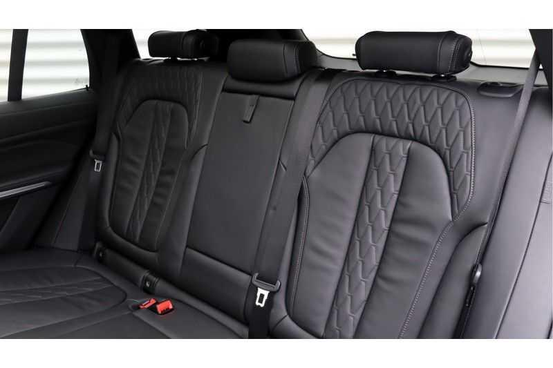 BMW X5 M50d High Executive Harman/Kardon, Panoramadak, Soft-Close, DAB afbeelding 10