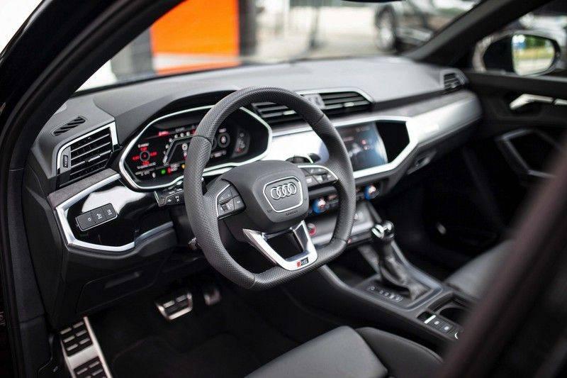 Audi RS Q3 2.5 TFSI Quattro *B&O / Pano / ACC / RS Sportstoelen / Sportuitlaat / Trekhaak* afbeelding 7