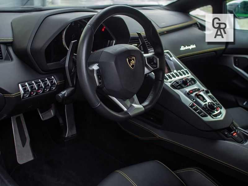 Lamborghini Aventador 6.5 V12 LP700-4 | Lift systeem | 20 inch wielen | Navigatie | afbeelding 2