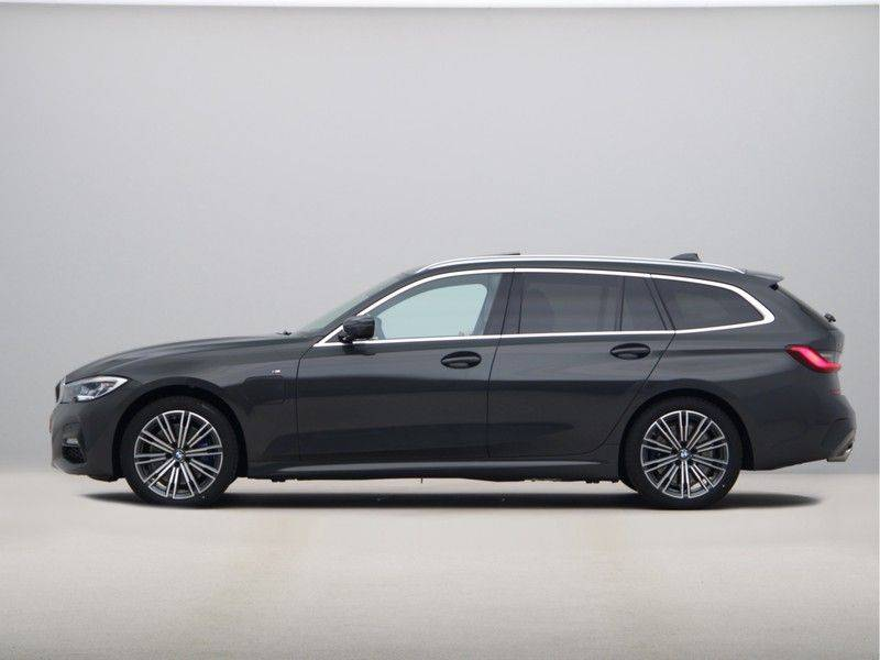 BMW 3 Serie Touring 330e xDrive High Executive Model M Sport afbeelding 12